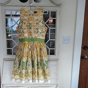 Gorgeous Taylor Floral Dress Size 8